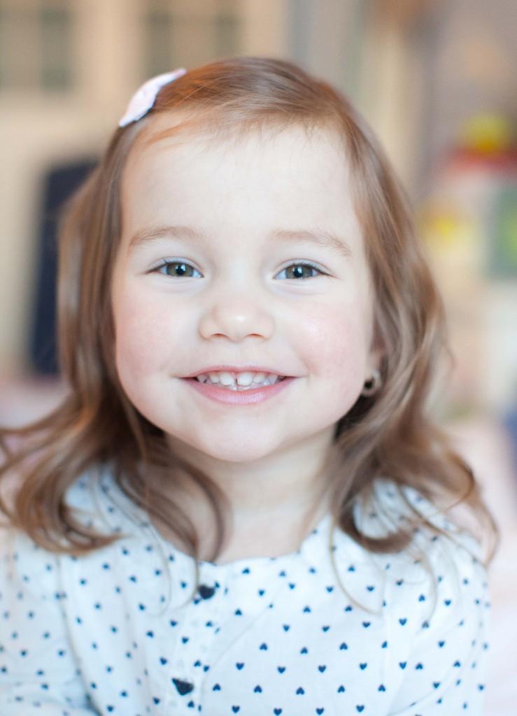 Fotoeule Mareike Smol, Homeshooting im Schlafzimmer Familienfotos Geschwisterbilder (10)